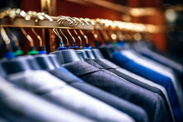 Jackets auf Bügeln