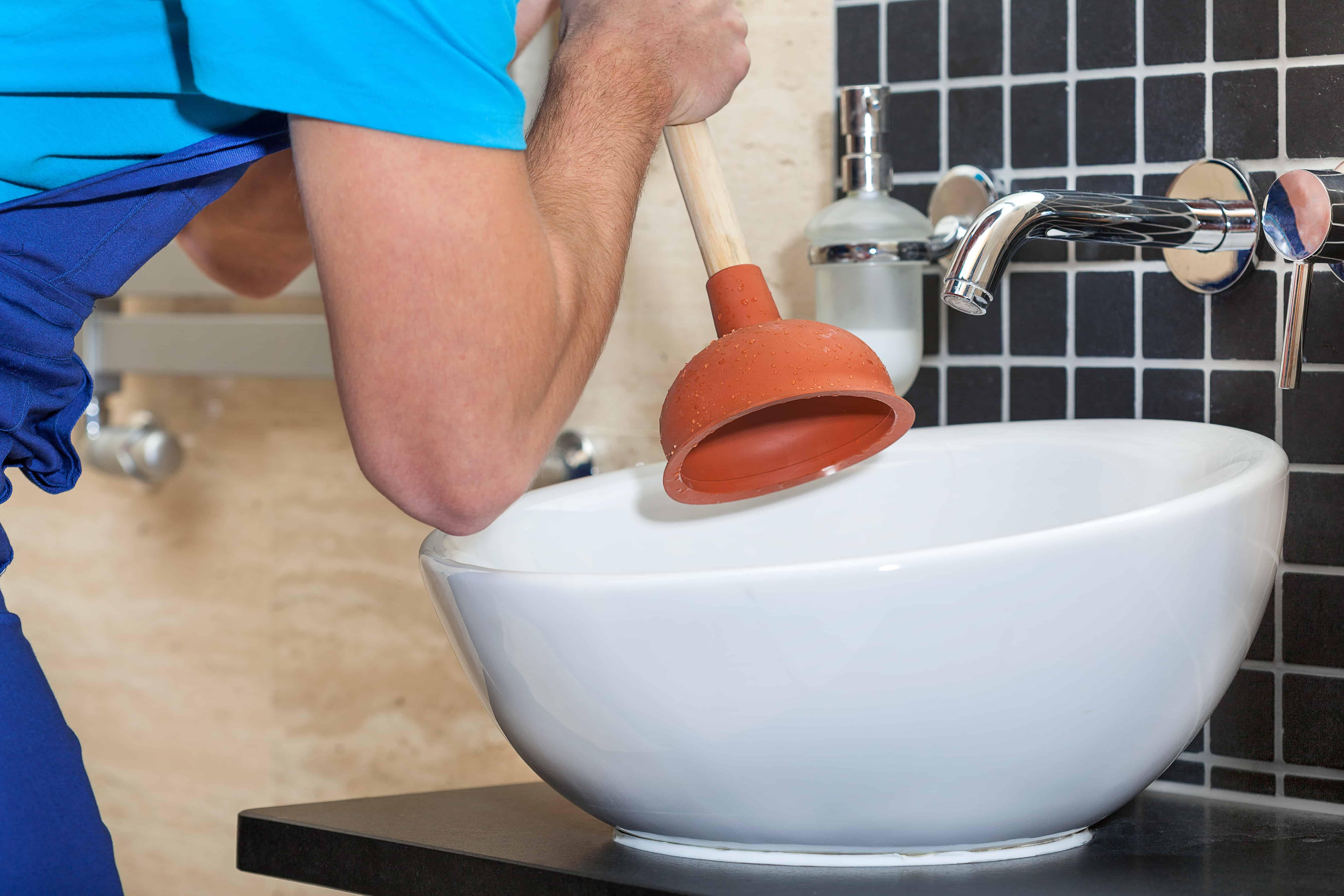 Abfluss verstopft: Effiziente Reinigung des Abflusses